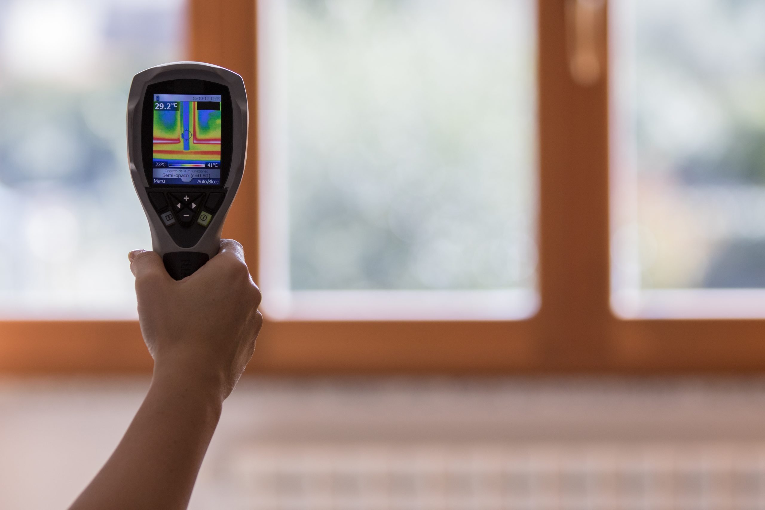 Analysis of the heat on the window with thermal imaging camera